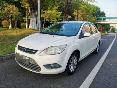 福特福克斯 2013款 三厢经典 1.8L 手动基本型