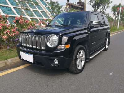 Jeep自由客 2014款 2.0L 运动增强版